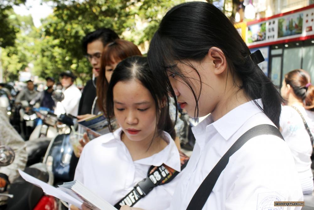 Gợi ý đáp án môn Toán kỳ thi tuyển sinh vào lớp 10 công lập tại Hà Nội