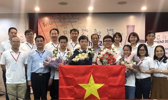 Việt Nam giành 4 Huy chương Vàng tại Olympic Hóa học quốc tế năm 2020