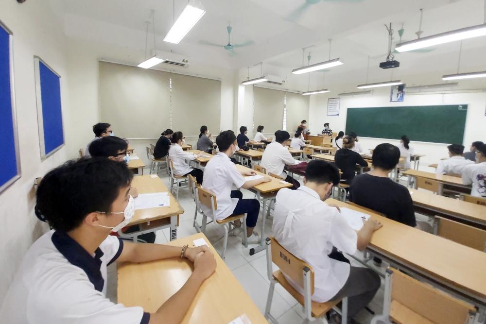 Điều chỉnh lịch tuyển sinh và hướng dẫn xét tuyển thí sinh đặc cách tốt nghiệp
