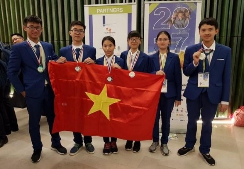 chon hoc sinh tham du thi olympic khoa hoc tre quoc te lan thu 15