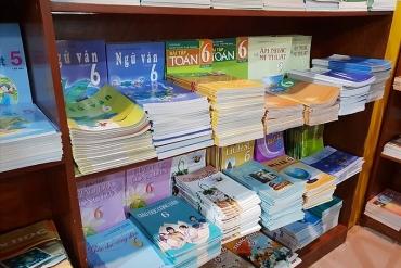 Tái sử dụng sách giáo khoa để tránh lãng phí