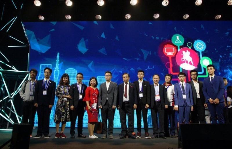 Đoàn học sinh Hà Nội đạt thành tích cao tại Cuộc thi Olympic Quốc tế Mát-xcơ-va
