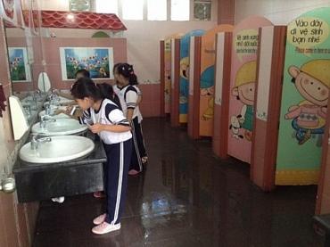 Giải quyết dứt điểm tình trạng thiếu nhà vệ sinh