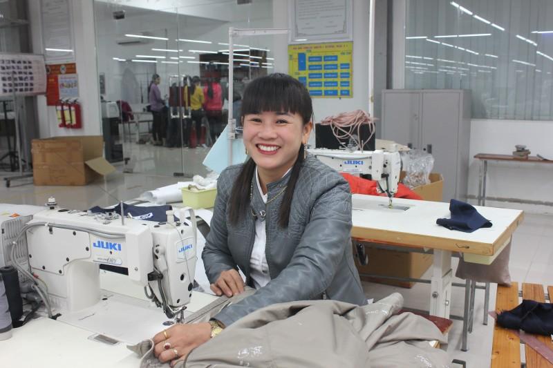Nữ công nhân giỏi tận tâm với nghề