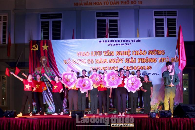 Giao lưu văn nghệ chào mừng kỷ niệm 65 năm Ngày Giải phóng Thủ đô