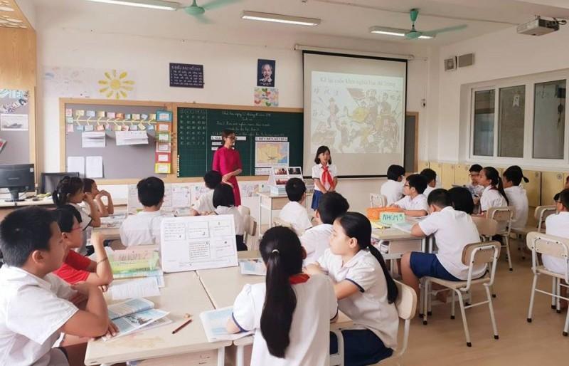 300 giáo viên cốt cán tham gia bồi dưỡng môn Lịch sử