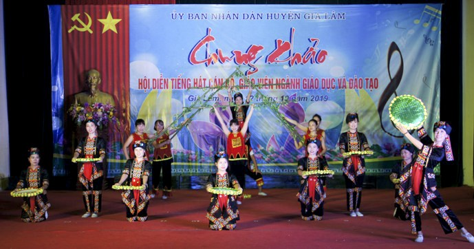 chung khao hoi dien tieng hat can bo giao vien nam 2019