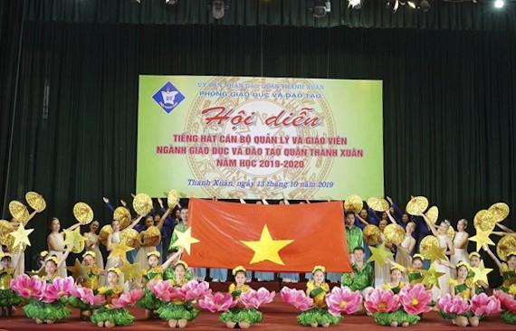 Ngành Giáo dục và Đào tạo quận Thanh Xuân tổ chức Hội diễn 'Tiếng hát cán bộ quản lý và giáo viên năm học 2019 - 2020'