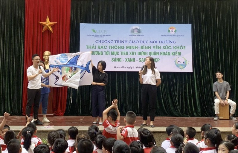 Hướng tới xây dựng quận Hoàn Kiếm sáng - xanh - sạch