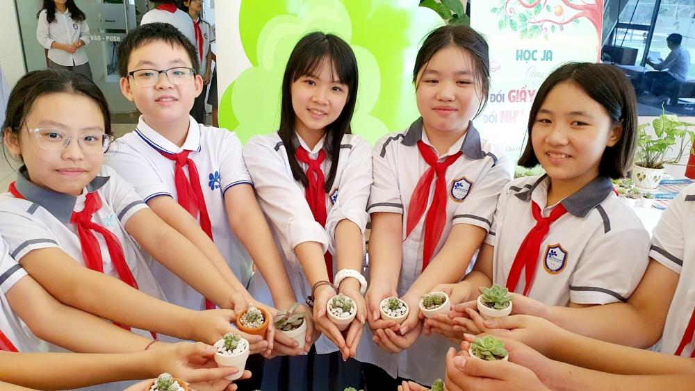 """Lan tỏa dự án cộng đồng ý nghĩa """"Đổi giấy lấy cây - Đổi nhựa lấy quà"""""""