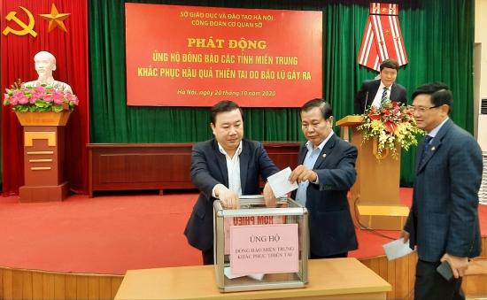 Ngành Giáo dục Hà Nội quyên góp ủng hộ đồng bào miền Trung bị lũ lụt