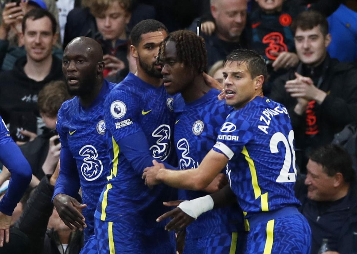 Hậu vệ trẻ Chalobah ghi bàn thứ 2 trong mùa giải cho Chelsea. (Ảnh: Reuters).