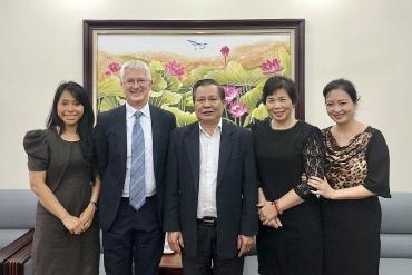 Sở GD&ĐT Hà Nội tăng cường hợp tác giáo dục với trường Đại học Cambridge