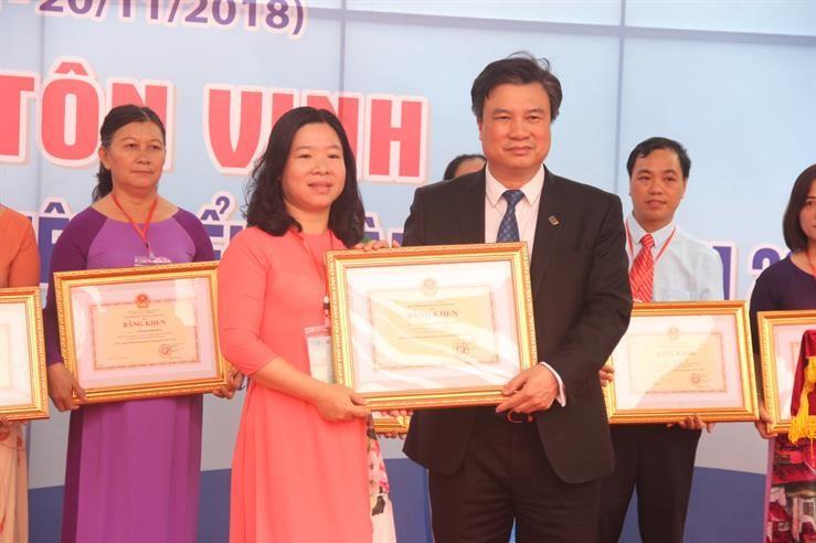 Vinh danh 183 nhà giáo tiêu biểu toàn quốc năm 2018