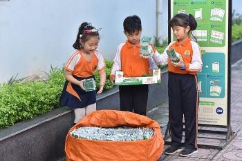 """Phát động cuộc thi """"Cùng bé thu gom vỏ hộp giấy"""" cho học sinh tại Hà Nội"""