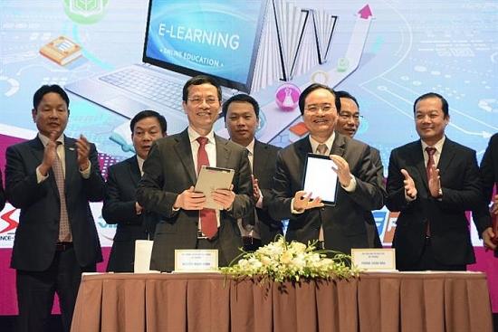 Phấn đấu đưa Việt Nam trở thành một trong những quốc gia hàng đầu về chuyển đổi số trong giáo dục và đào tạo