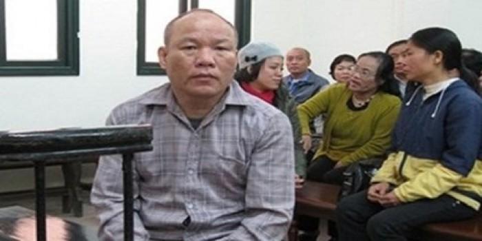 Ngồi tù 10 năm vì dùng búa hành hung nữ giám đốc