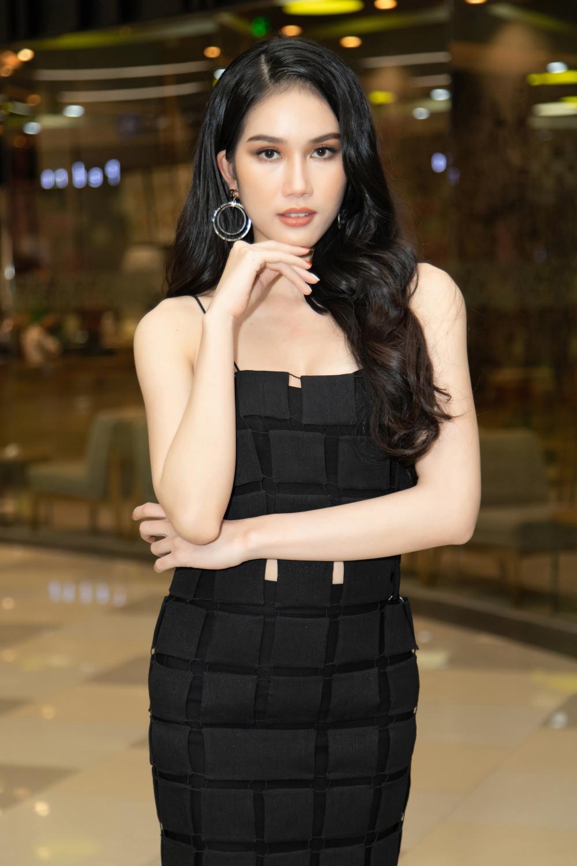 """Top 3 Hoa Hậu Việt Nam 2020 """"đọ"""" sắc tại sự kiện ra mắt phim"""