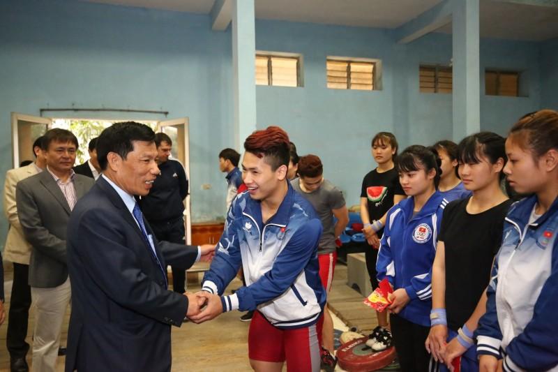 Bộ trưởng Bộ VHTTDL thăm, chúc Tết các vận động viên