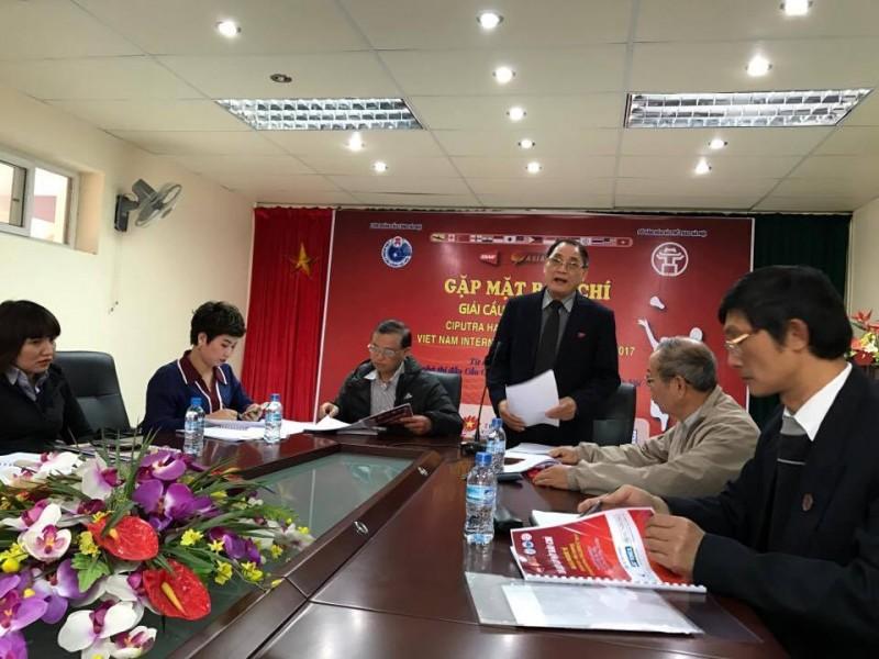 Vợ chồng Tiến Minh cùng góp mặt ở giải cầu lông quốc tế Ciputra Hà Nội 2017