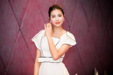 Hoa hậu Phạm Hương diện trang phục cổ điển dự giao lưu văn hoá Việt - Nhật
