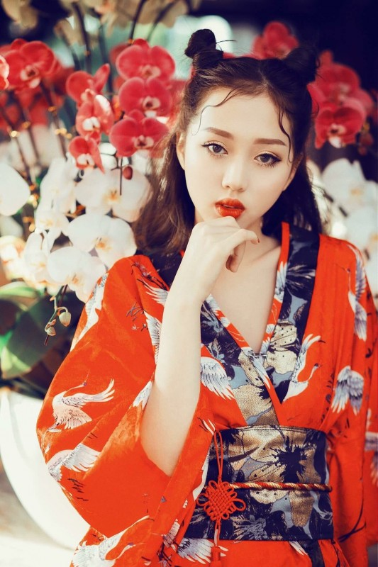 ban sao tien nu cu ta gay xon xao vong online vietnams next top model 2017