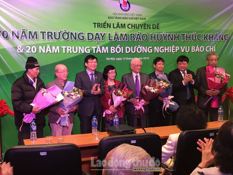 70 nam truong day lam bao huynh thuc khang tat ca de chien thang