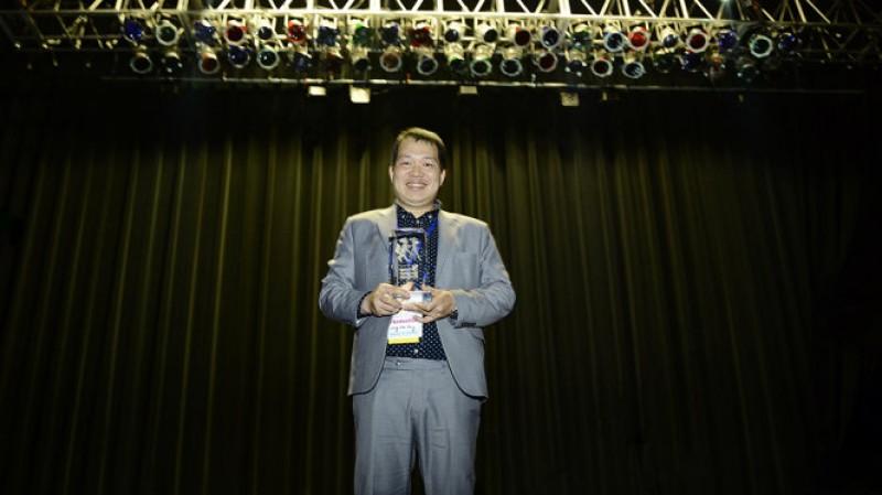 'Cha cõng con' đoạt giải phim nước ngoài hay nhất tại Mỹ