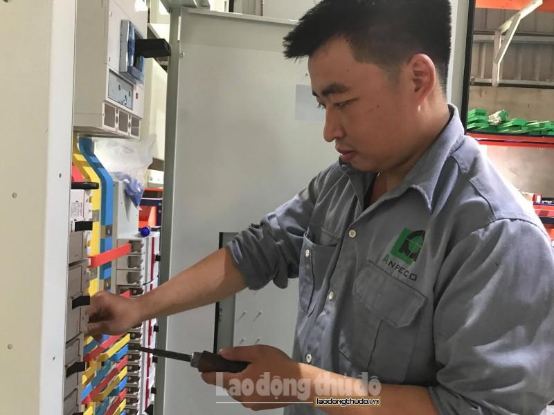Chàng kỹ sư điện yêu nghề và dám dấn thân