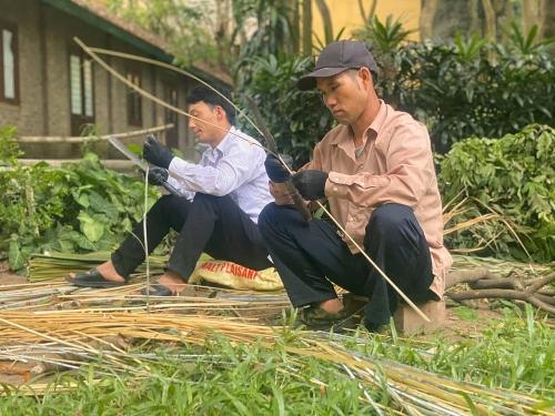 Khám phá cách dựng nhà truyền thống của người dân tộc Hà Nhì