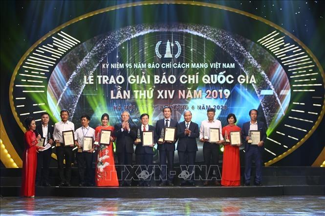 Thủ tướng Nguyễn Xuân Phúc: Báo chí góp phần nâng cao vị thế và hình ảnh Việt Nam
