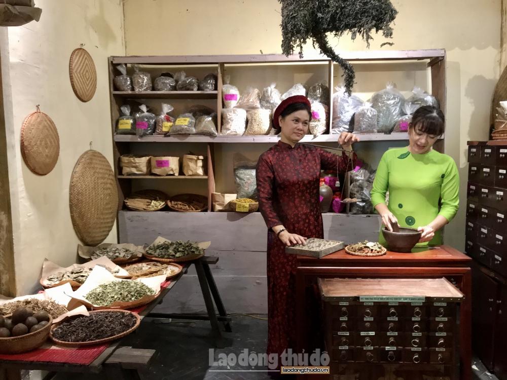 Tái hiện các phong tục dân gian độc đáo dịp Tết Đoan Ngọ tại Hoàng thành Thăng Long