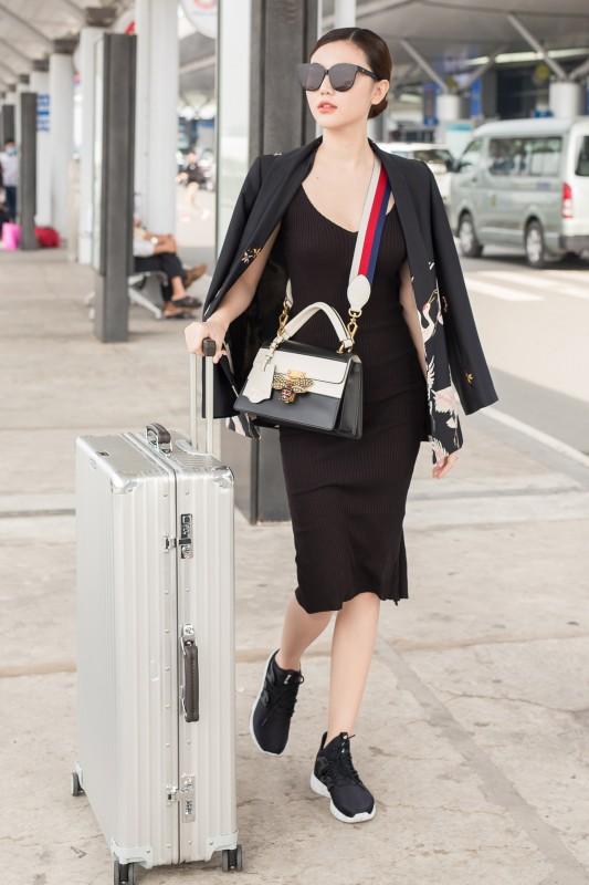 Hoa hậu Ngọc Duyên lên đường sang Hồng Kông chụp hình tạp chí