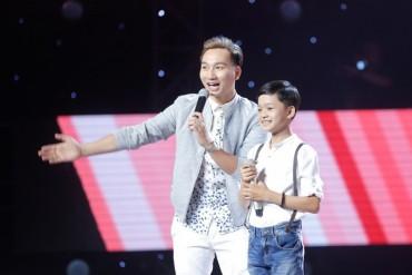 Giọng hát Việt nhí: Thú vị những màn tranh giành thí sinh 'không khoan nhượng'