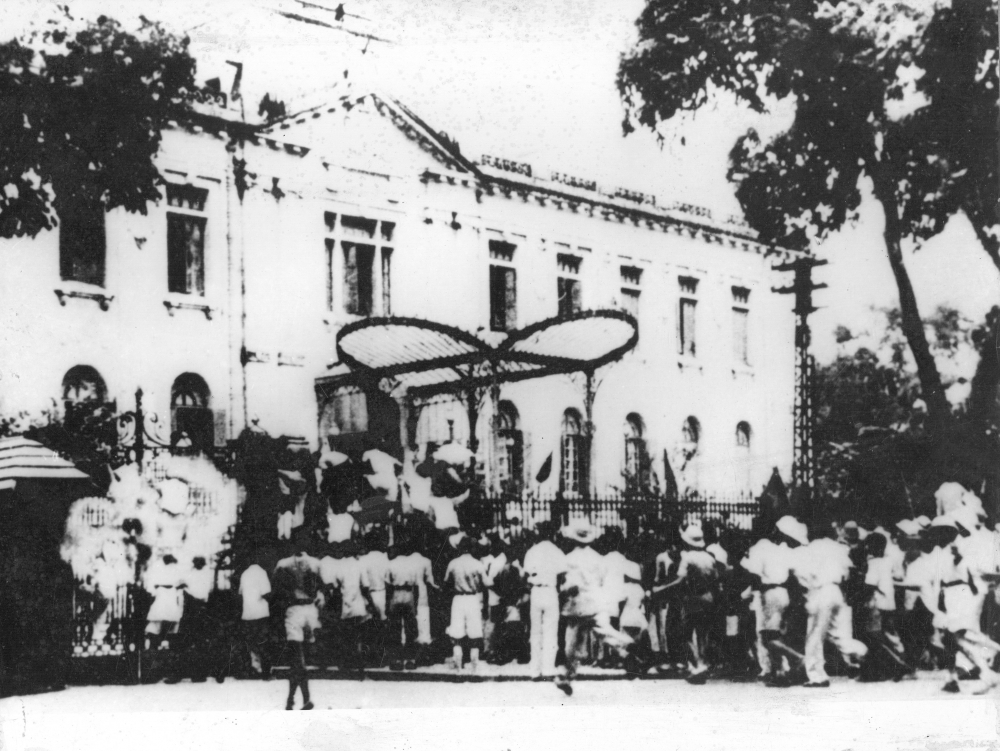 Khát vọng dân tộc Việt Nam qua triển lãm ảnh