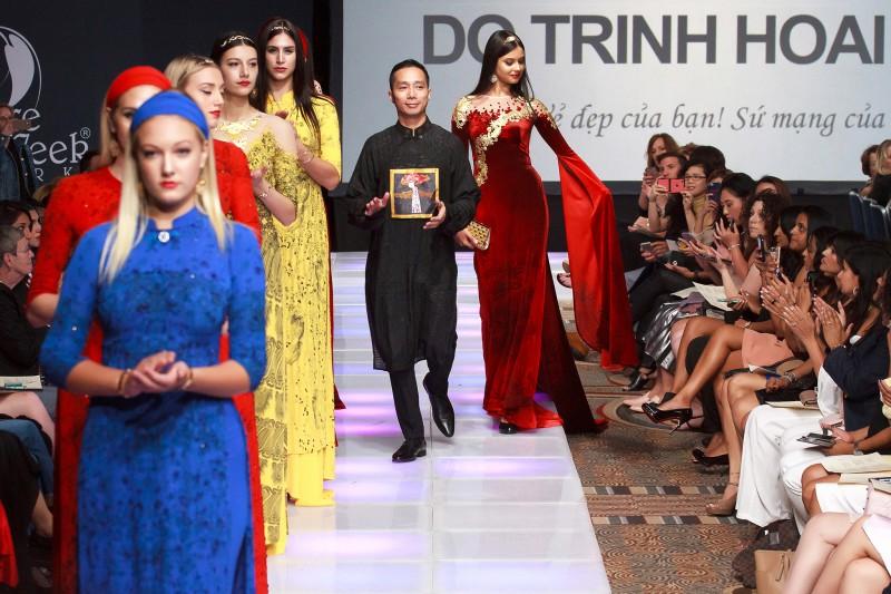 Bộ sưu tập Sen Vàng thành công vang dội tại Couture Fashion Week