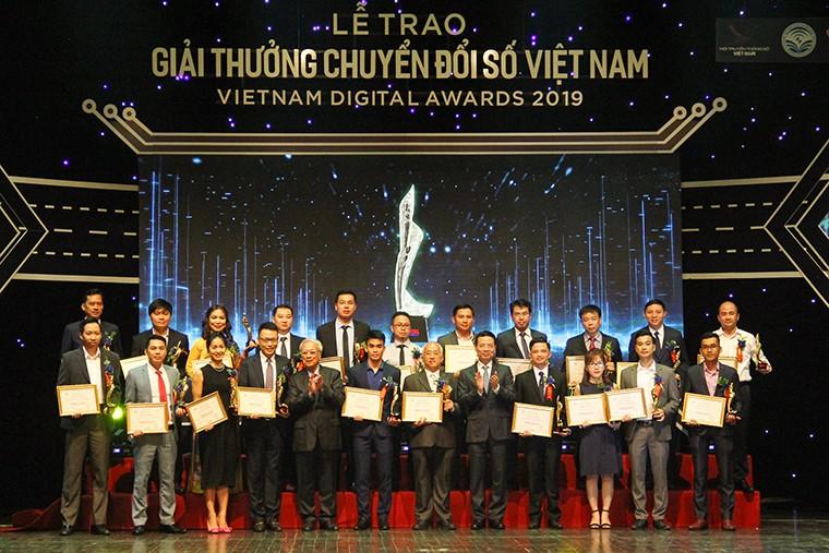 50 đơn vị được trao giải thưởng Chuyển đổi số Việt Nam lần 2 năm 2019