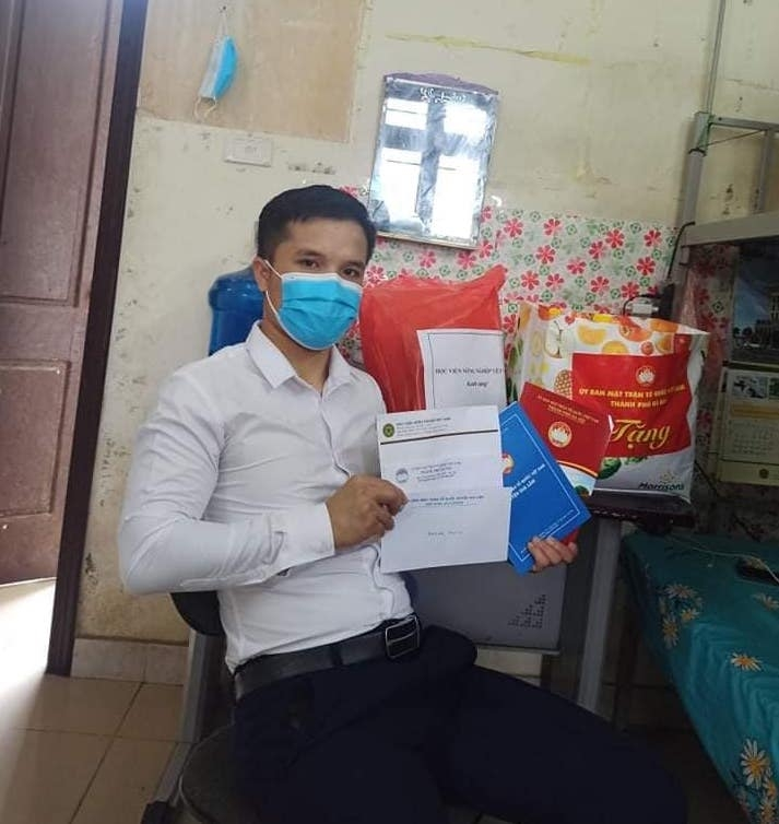 Hỗ trợ người nước ngoài trong đại dịch Covid-19