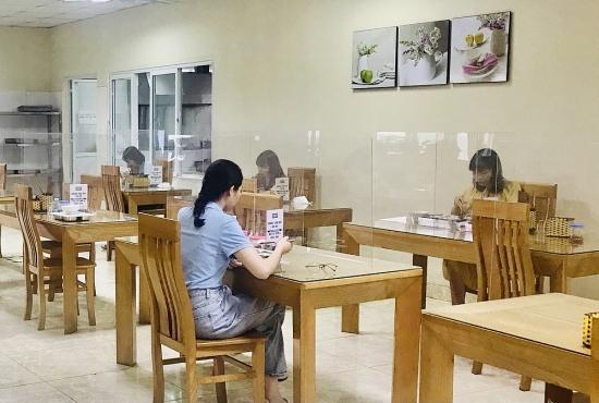 Những cách làm hay trong phòng, chống dịch tại bếp ăn tập thể