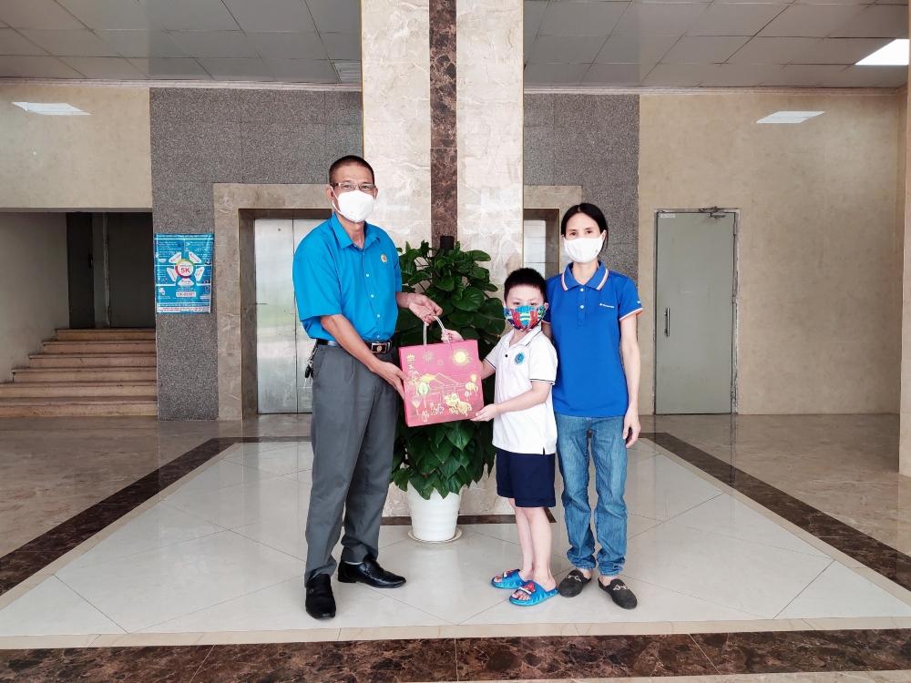 Chắp thêm đôi cánh ước mơ cho con em công nhân lao động quận Nam Từ Liêm