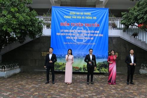 Tổ chức Điểm tuyên truyền Xây dựng người Hà Nội thanh lịch, văn minh