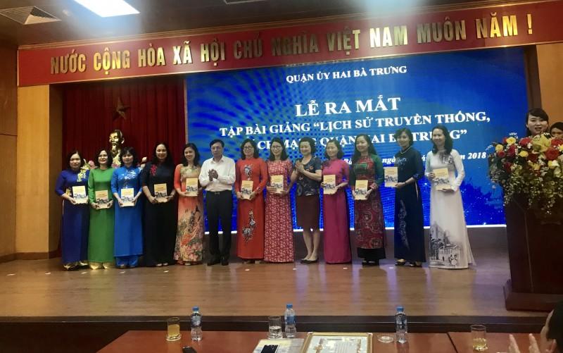 Ra mắt Tập bài giảng về lịch sử truyền thống cách mạng quận Hai Bà Trưng