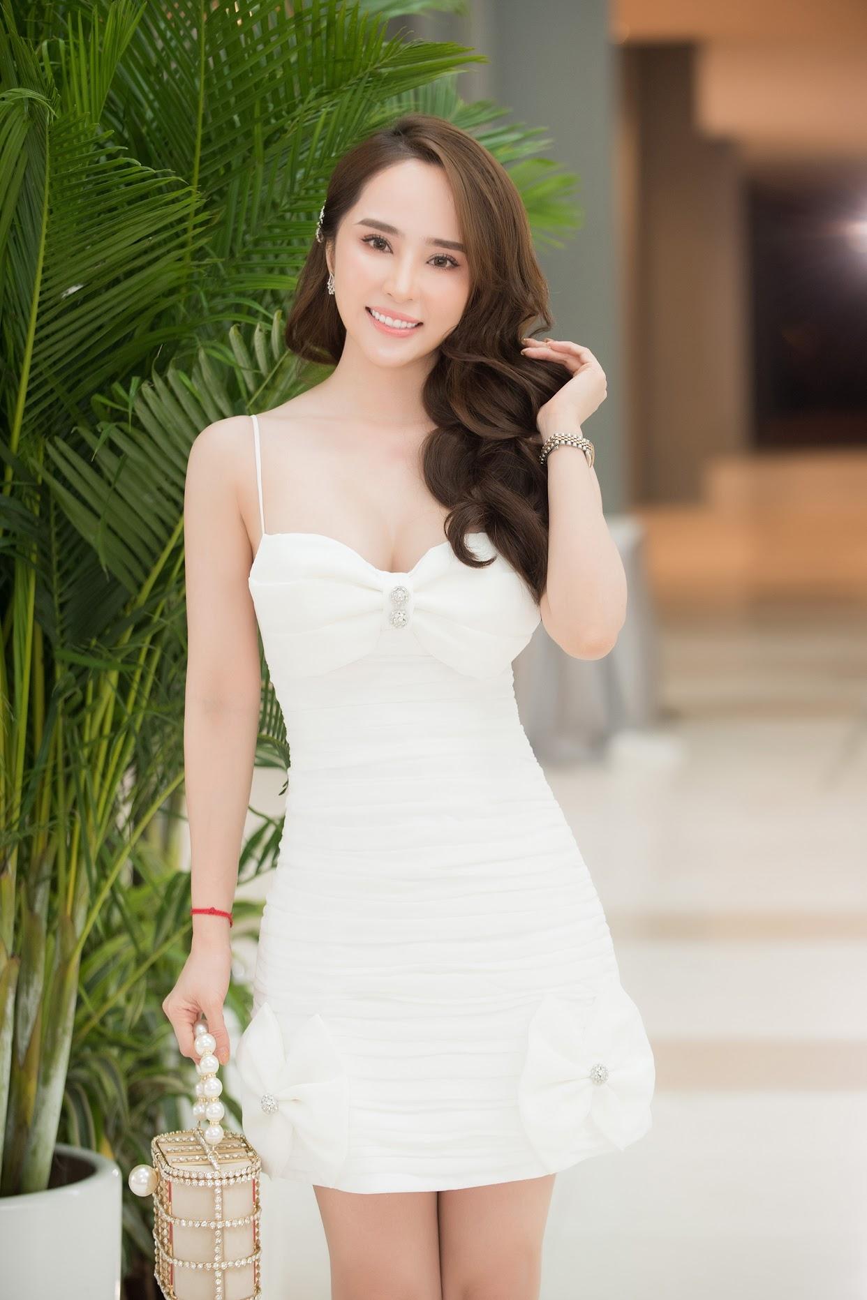 Diễn viên Quỳnh Nga tiết lộ bí kíp để có dáng đẹp, eo thon