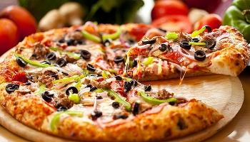 Nếm thử đồ ăn và rượu vang Ý tại Tuần lễ Ẩm thực Ý