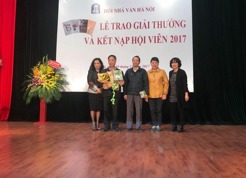 'Hồi ức lính' đoạt giải của Hội Nhà văn Hà Nội