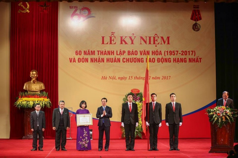 Báo Văn hóa đón nhận Huân chương Lao động hạng Nhất