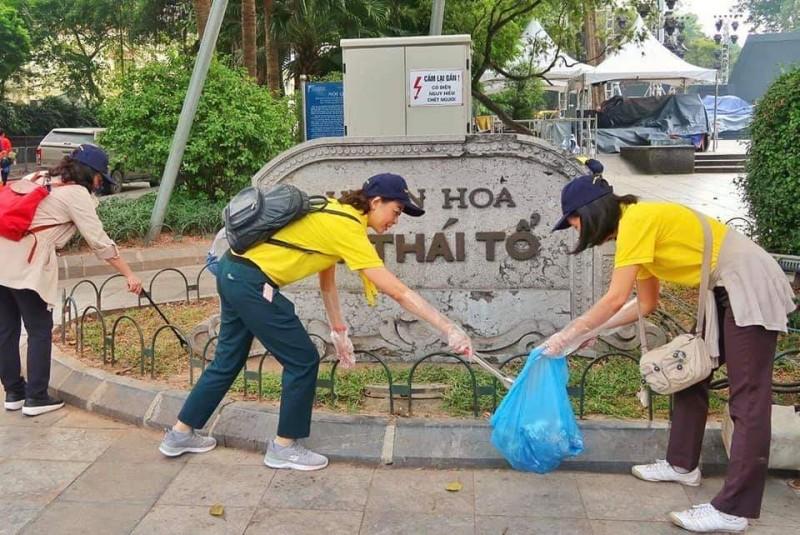 Ý nghĩa hoạt động làm sạch môi trường khu vực phố đi bộ Hồ Gươm