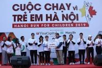Người dân Thủ đô và bạn bè quốc tế chạy vì trẻ em Hà Nội