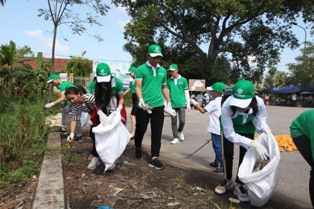 Du lịch Hà Nội nói không với rác thải nhựa