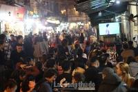 Hàng ngàn CĐV đổ về phố cổ Hà Nội theo dõi Tứ kết Asian Cup 2019